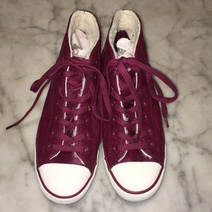 Converse Wine Leather Lined Hi Tops 8 1/2  EUC